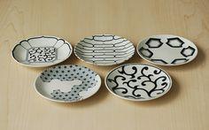 磁器の染付け5寸皿(呉須)|HIGASHIYA Online shop