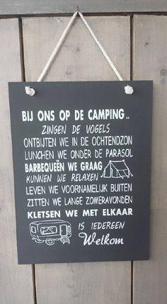 Bij ons op de camping (grijs)