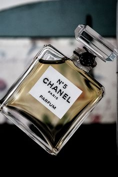 "Chanel No. 5 - first perfume launched by Parisian Gabrielle ""Coco"" Chanel. Fragrance was compounded by Russian-French chemist and perfumer Ernest Beaux. Chanel N5, Perfume Chanel, Perfume And Cologne, Chanel Couture, Coco Chanel, Perfume Bottles, Perfume Tray, Chanel Beauty, Beauty Makeup"
