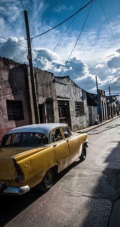 On the road in Viva La Cuba Libre! Showcase of Impressive Street Photos Monuments, Cuban Cars, Island Nations, Havana Cuba, African Safari, Street Photo, Continents, Wonders Of The World, South America