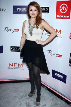 KAJA  PASCHALSKA Molly Ringwald, Tv Presenters, In Pantyhose, Celebs, Celebrities, Beautiful Legs, Black Nylons, Roxy, Poland