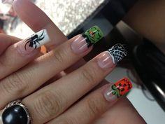 Halloween Nail Art Manicure check out www.MyNailPolishObsession.com for more nail art ideas.