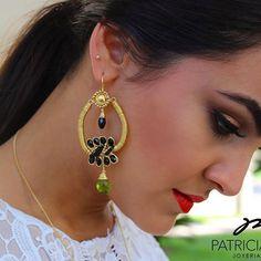 PG Aretes con gota cuarzo verde y cristales negros #pg #joyeriaartesanal #cuarzo #handmadejewelry #chapadeoro #diseñomexicano #manosmexicanas #earrings #aretes #ideartemexico