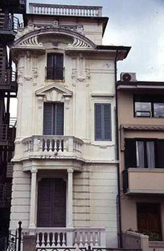 """Villino """"Il guscio"""", 1914,progetto del dott. ing.-arch. Gaetano Orzali. Via G. D'Annunzio, Viareggio."""