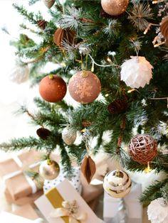 Cozy Christmas, Christmas Colors, Table Decorations, Photo And Video, Instagram, Home Decor, Fotografia, Decoration Home, Room Decor