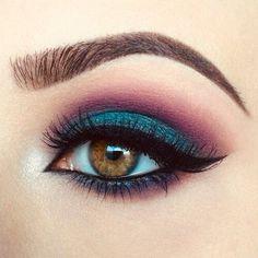 Soft winged liner Makeup ideas Makeup inspiration Eye makeup Eyeliner cat& eye in 2020 Makeup Eye Looks, Eye Makeup Art, Eye Makeup Remover, Cute Makeup, Pretty Makeup, Skin Makeup, Makeup Inspo, Eyeshadow Makeup, Makeup Inspiration