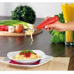 Csak bekapcsoljuk a villát és feltekerjük a spagettinket! Többé nem kell fárasztani a csuklódat spaghetti evés közben! Itt az elemmel működő forgófejű spaghetti-tészta tekerő villa. Csak egy... Plastic Cutting Board, Villa, Kitchen, Gifts, Cooking, Presents, Kitchens, Favors, Cuisine