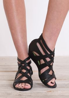 I've been pining for a new pair of black sandals like this.