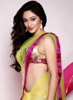 awesome Hot Reyhna Malhotra Sexy Photos at India Resort Fashion Week