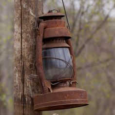 Old Rusty Country Charm Country Farm, Country Life, Country Living, Old Lanterns, Vintage Lanterns, Hanging Lanterns, Rust Never Sleeps, Photo Deco, Paintings