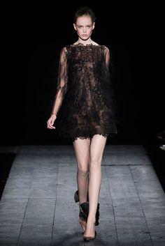 Valentino Fall 2009 Couture Fashion Show - Frida Gustavsson (IMG)