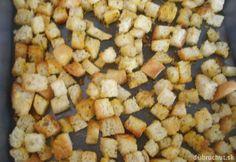 Cesnakové krutóny Bread Recipes, Vegan Recipes, Snack Recipes, Snacks, Czech Recipes, Russian Recipes, Salty Foods, Food 52, Recipies