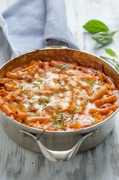 50 Skillet Meals Skillet-Baked Ziti by pinkparsley: One pan. Less than one hour. A totally comforting and delicious dinner.Skillet-Baked Ziti by pinkparsley: One pan. Less than one hour. A totally comforting and delicious dinner. I Love Food, Good Food, Yummy Food, Pasta Dishes, Food Dishes, Pasta Meals, Pasta Recipes, Main Dishes, Def Not