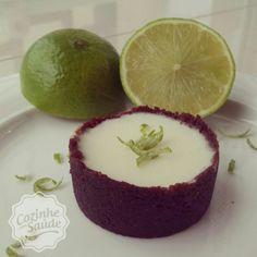 tortinha fit de limão (amendoas, cacau, ricota, gelatina incolor,limao, adocante/demerara)