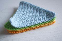 Visit the post for more. Crochet Garland, Crochet Triangle, Bunting, Diy Tutorial, Diys, Crochet Patterns, Crochet Ideas, Upcycle, Beanie