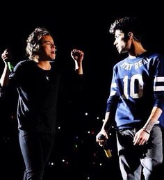 """Harry and Zayn tonight in chile<<< Harry looks like a child having a fit and Zayn looks like their parent turning around to give them a look like, """"I thought we solved this already The answer is NO."""""""