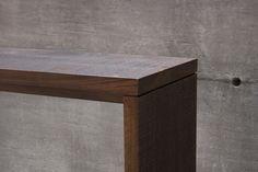 Detail view of our T 203 bench or table in  walnut / Vue détailée de notre banc ou table T203 en noyer