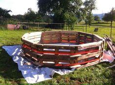 Enorme piscina costruita con pallet passo dopo passo 3