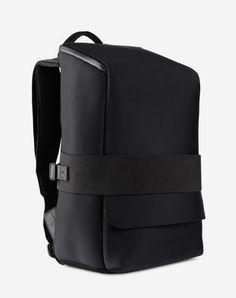 yet extremely elegant. The Day Small Backpack has it all.Minimalistic, yet extremely elegant. The Day Small Backpack has it all. Small Backpack, Men's Backpack, Leather Backpack, Leather Bag, Backpack Handbags, Look Fashion, Fashion Bags, Mochila Adidas, Sacs Design