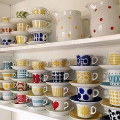 finnish, retro, and cup image Shelfie, Marimekko, Mug Cup, Hygge, Home Organization, Scandinavian Design, Old Houses, Pottery, Plates