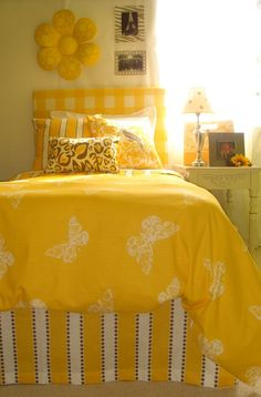 Bedroom . Yellow and White Décor . Stripes Checks Butterflies . décor-2-ur-door.com