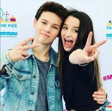 Annie LeBlanc and Hayden Summerall. But I don't ship Hannie Annie Grace, Annie Lablanc, Annie Angel, Julianna Grace Leblanc, Hayley Leblanc, Annie Leblanc Outfits, Rock Your Hair, Annie And Hayden, Hayden Summerall
