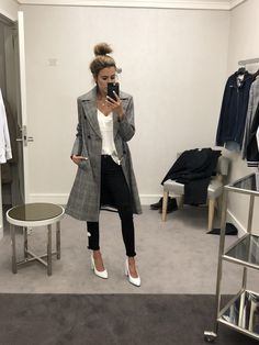 Black jeans, trench coat, white cami and white heels white heels outfit, black Church Outfit Fall, Jeans Outfit Winter, Winter Outfits, September Outfits, White Heels Outfit, Heels Outfits, Thrift Store Outfits, Yellow Long Sleeve Tops, Women Church Suits