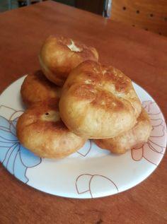 Αφρατα και πολυ νοστιμα πιροσκι. Bagel, Bread, Food, Brot, Essen, Baking, Meals, Breads, Buns