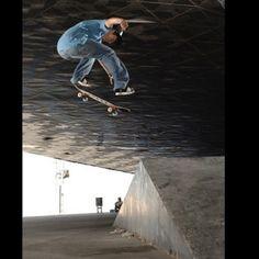 Dave Snaddon - Fakie flip photo Styley
