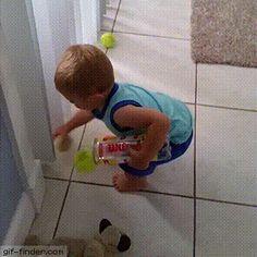 Der hier sammelt wahrscheinlich schon seit letzter Woche seine Bälle ein: | Stellt sich raus: Es ist total befreiend, über Kinder zu lachen