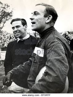 Peter Arundell right And Jim Clark died April 1968 British Racing Drivers MOTOR RACING RACING DRIVERS SIXTIES PERSONALITY - Stock Image