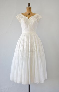 1940's/1950's Hither My Love white eyelet wedding dress