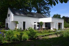 Püffel Architekten Bremen (L Shaped Shed Plans) Fancy Houses, White Houses, Shed Plans, House Plans, Brick Extension, Dormer Bungalow, Rural House, Bungalow House Design, Flat Roof