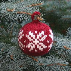 Christmas Ball. Love the traditional white snowflake against red. Free pattern.