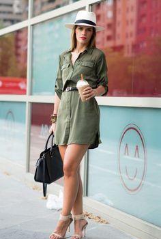 Conjunto vestido camisero verde, sandalias beis, bolso negro y sombrero de paja beis #misconjuntos #conjuntosmoda #modafemenina #fashion #style #looks