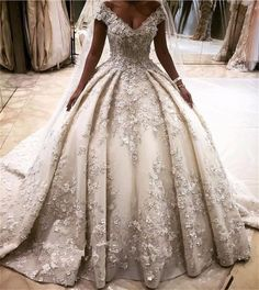 Luxury Ball Gown Lace Wedding Dress Appliques V-Neck Cap Sleeve Bead Bridal Gown | eBay