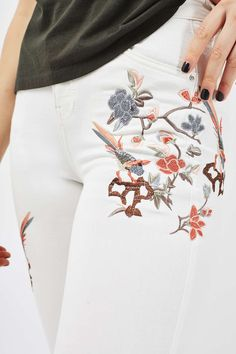 MOTO White Floral Embroidered Jamie Jeans
