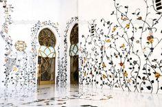 http://static8.depositphotos.com/1007593/947/i/950/depositphotos_9479361-stock-photo-sheikh-zayed-mosque-abu-dhabi.jpg