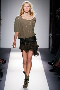 Balmain Spring 2010 Ready-to-Wear Fashion Show - Iselin Steiro