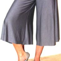 Free pattern for knit culottes. look @Donna Cooper I can be modest!