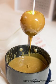 This is my FAVORITE Caramel recipe and is perfect for making Caramel Apples. This recipe only uses brown sugar, not white. Sweets Recipes, Candy Recipes, Apple Recipes, Fun Desserts, Delicious Desserts, Dessert Ideas, Chocolate Apples, Chocolate Caramels, Caramel Apples