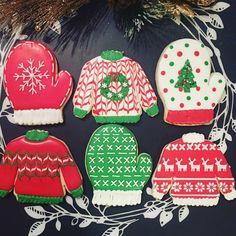 ugly sweater Christmas cookies Christmas Tea Party, Christmas Sweets, Christmas Goodies, Christmas Design, Christmas Baking, Winter Christmas, Merry Christmas, Royal Icing Cookies, Cupcake Cookies