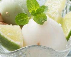 Sorbet au citron pour brûler les graisses : http://www.fourchette-et-bikini.fr/recettes/recettes-minceur/sorbet-au-citron-pour-bruler-les-graisses.html
