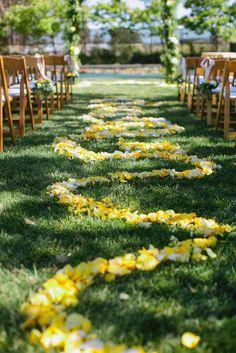 Photography: Jenna Marie Photography - jennamariephoto.com  Read More: http://www.stylemepretty.com/california-weddings/2014/05/30/music-inspired-sonoma-wedding/