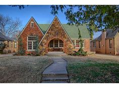 #HOT Home of Today - No shortage of style here! Gorgeous historical home in Cashion Place. Click the picture below to see more, or schedule your showing @ 405-802-HOME.