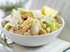 Pasta mit Lachs und Lauch ist ein Rezept mit frischen Zutaten aus der Kategorie Pasta. Probieren Sie dieses und weitere Rezepte von EAT SMARTER!