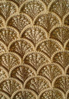 Zardosi Embroidery, Pearl Embroidery, Tambour Embroidery, Border Embroidery, Bead Embroidery Patterns, Couture Embroidery, Embroidery Fashion, Hand Embroidery Designs, Indian Embroidery