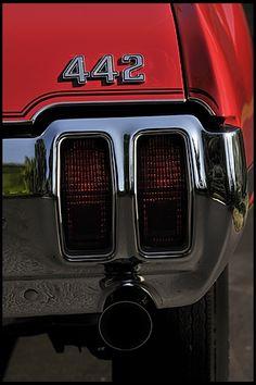 1970 Oldsmobile 442 W-30...I will find my dads car one day swear it!