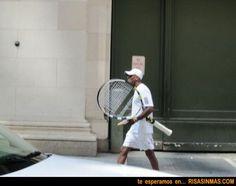 ¿Raqueta gigante?… | Risa Sin Más