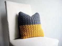 Häkelkissen, Grau, Senfgelb, 40 cm x 40 cm von haus of crochet auf DaWanda.com
